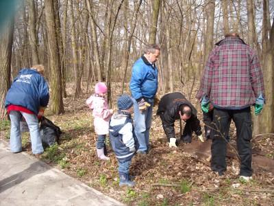 Frühjahrsputz im Wald in Teltow Seehof 2010